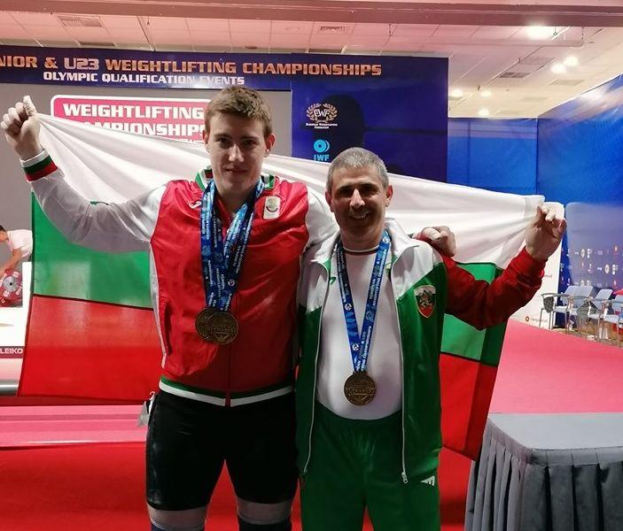 Талантът Христо Христов е шампион на Европа до 20 години в щангите с рекорди