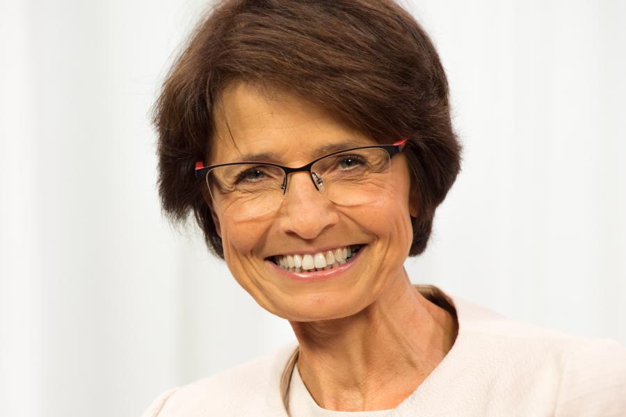 Мариан Тисен,  Европейски комисар по заетостта, социалните въпроси, уменията и трудовата мобилност
